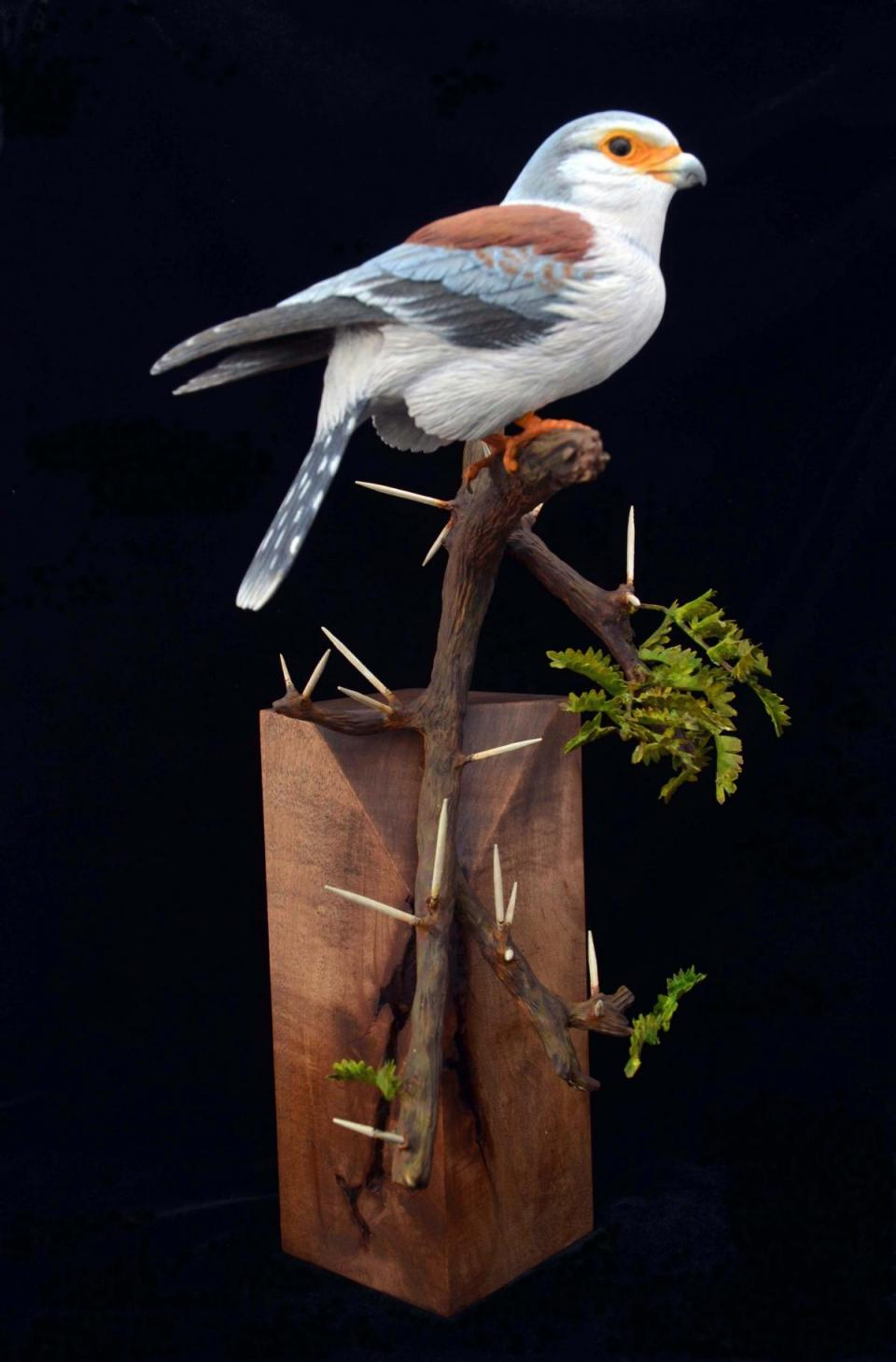 | Sculpture by Uta Strelive | Artists for Conservation