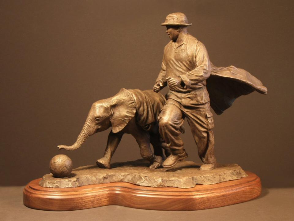 | Sculpture by Douglas Aja | Artists for Conservation
