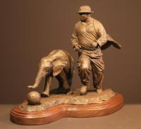   Sculpture by Douglas Aja   Artists for Conservation